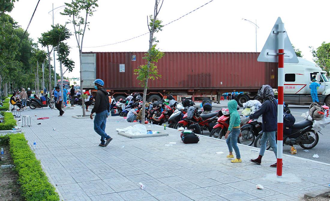 Ngày thứ 4 sau Công điện của Thủ tướng, người đi xe máy về quê giảm nhiều