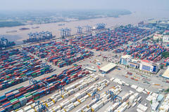 Báo cáo Thủ tướng việc ùn tắc tại cảng Cát Lái