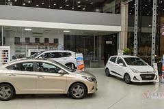 """""""Mưa"""" khuyến mãi phí trước bạ, giảm giá ô tô đón đầu tháng Ngâu"""