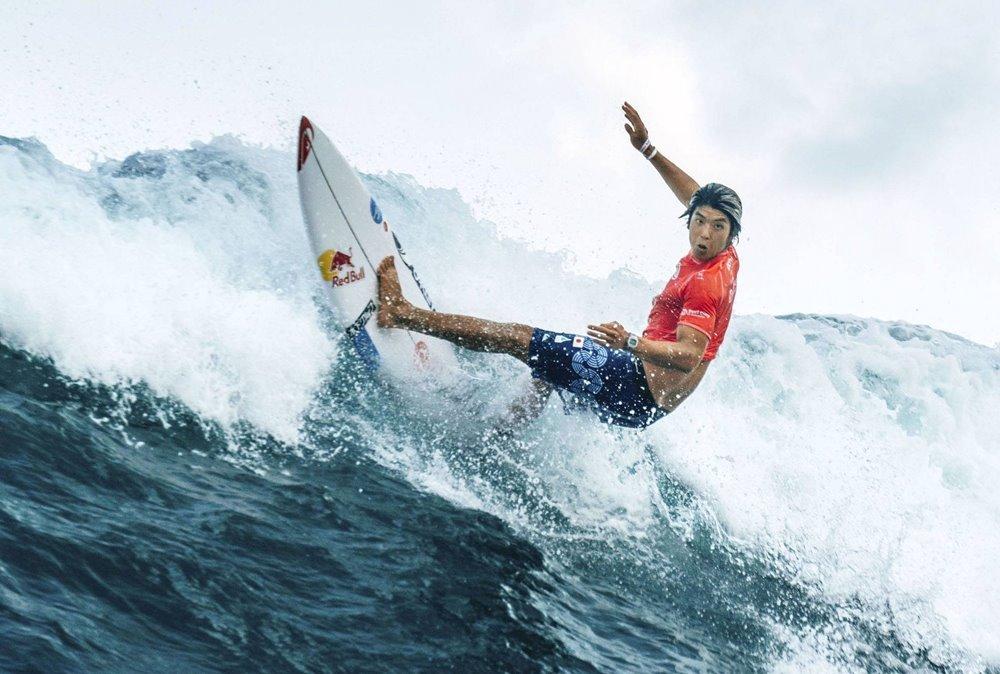 Xem VĐV cưỡi sóng, đại náo biển xanh tại Olympic 2020