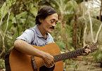 Con trai nghệ sĩ Giang còi: 'Ba tôi muốn được chôn cùng cây đàn guitar'