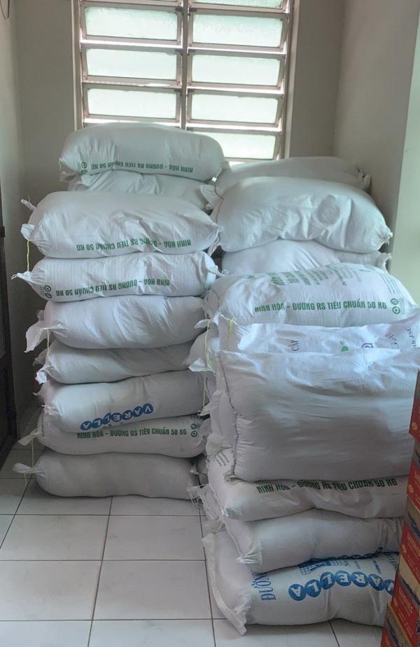 Hyundai Bình Dương chi viện 3 tấn gạo, ngàn thùng mỳ chống dịch Covid-19