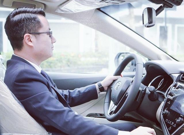 Nửa tháng không có khách gọi xem xe, sales ôtô tính chuyện bỏ nghề vì ế ẩm