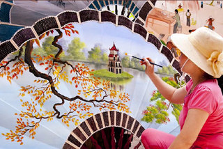 Youngsters make videos to honour beauty of Vietnamese women and traditional craft villages