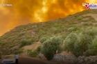 Đảo Hy Lạp chìm trong biển lửa, cảnh tượng như trong phim thảm họa