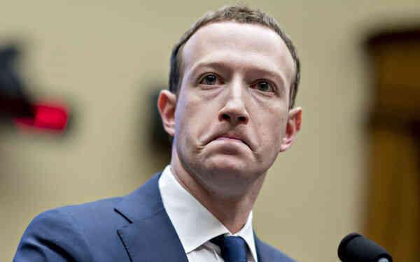 Facebook tiếp tục gây 'bão' dư luận