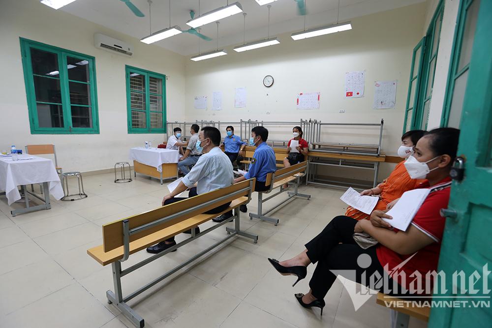 Hà Nội tìm người từng đến điểm tiêm vắc xin ở Hoàn Kiếm, nơi có ca Covid-19
