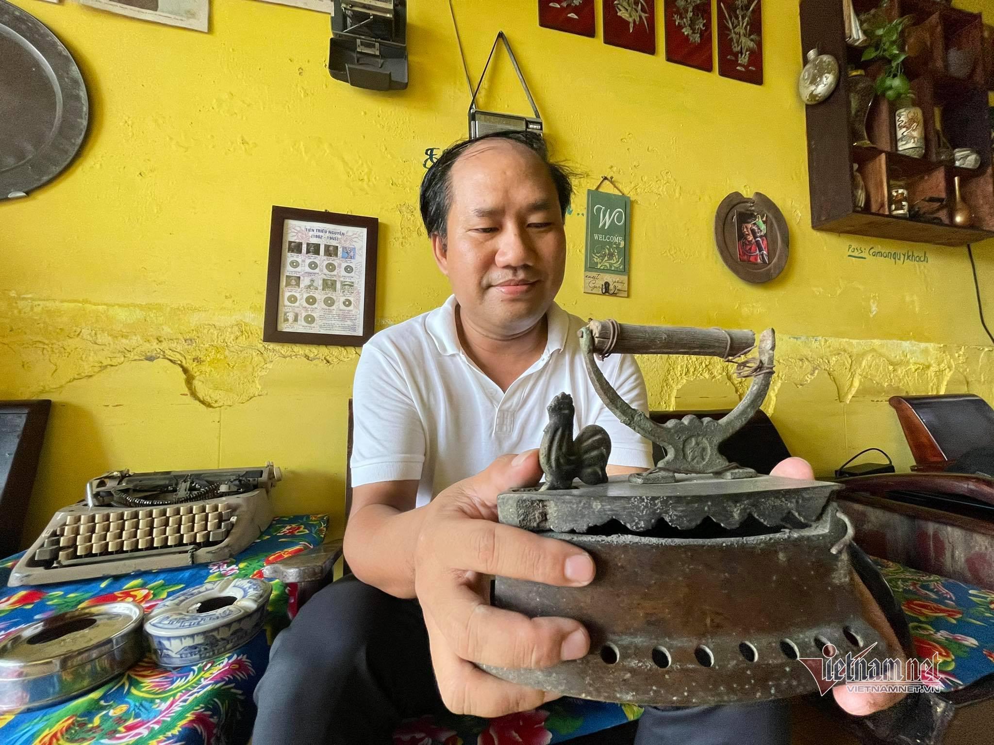 Người đàn ông 'gom' đồ của nhà giàu xưa bày kín căn nhà 3 tầng