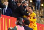 Barca chia tay Messi: Không chỉ là tiền bạc