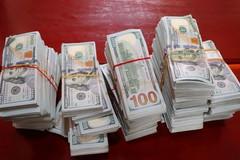 4 người vận chuyển trái phép 470.000 USD vụ trùm buôn lậu Mười Tường