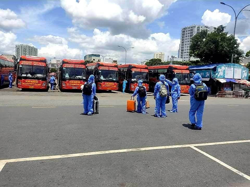 Bình Thuận đưa gần 500 người dân từ TP.HCM về quê tránh dịch