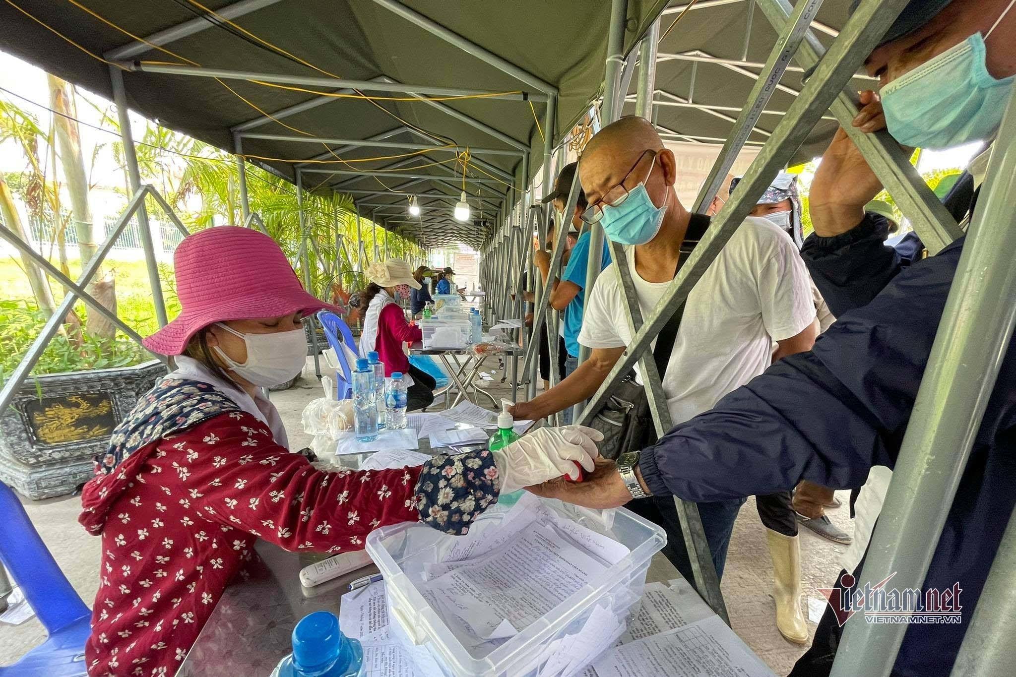 Người từ hướng Hải Dương tạm thời sẽ không được vào Quảng Ninh