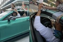 Trói bạn gái trên nóc ôtô để quay video, blogger Nga bị điều tra