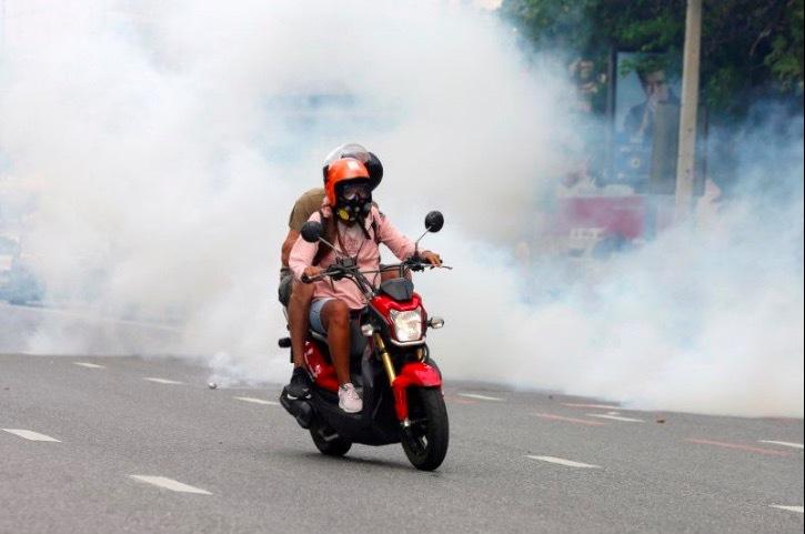 Đụng độ giữa người biểu tình và cảnh sát Thái Lan