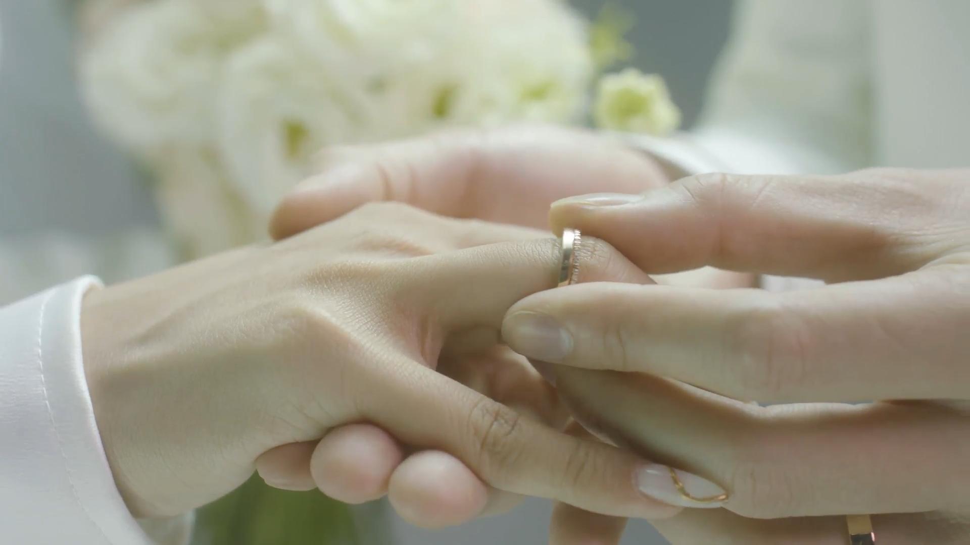 Phan Mạnh Quỳnh sáng tác bài hát tặng vợ