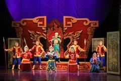 Can Vietnamese theatres make money online?