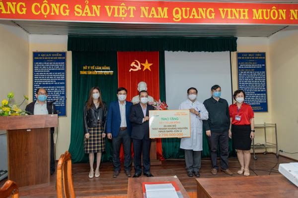 Tập đoàn Hưng Thịnh chi viện thêm 11 tỷ đồng cho tuyến đầu chống dịch