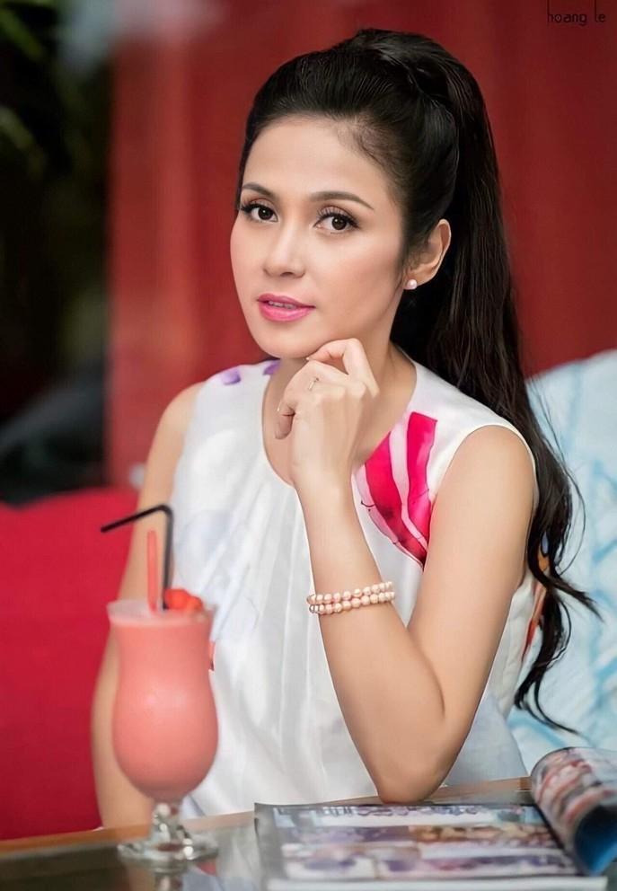 Nhan sắc Việt Trinh sau hơn 30 năm đóng phim