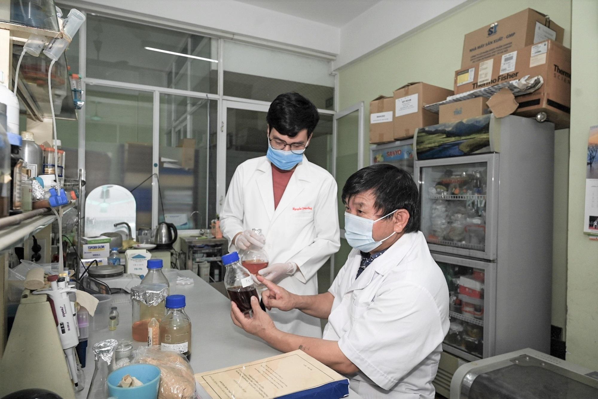 Việt Nam thử nghiệm thuốc điều trị Covid-19 từ thảo dược