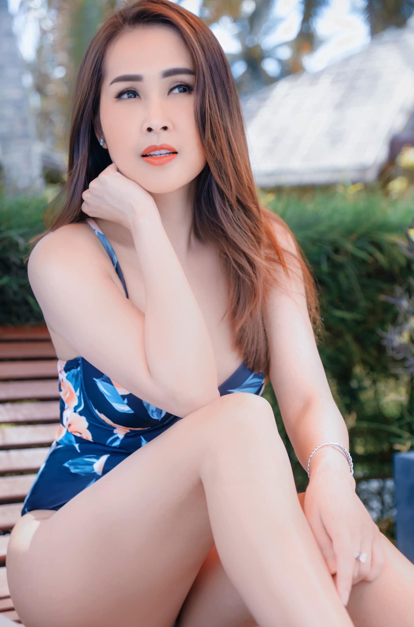 Đường cong của Minh Thư 'Gái nhảy' ở tuổi 44