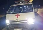 """Phạt tài xế 7,5 triệu đồng vì dùng xe cấp cứu """"thông chốt"""" chở 11 người"""