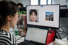 Giới trẻ Trung Quốc tội lỗi khi hẹn hò với người tình ảo
