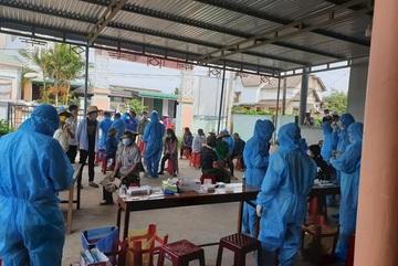 Để xảy ra chùm ca bệnh từ tiệc sinh nhật, chủ tịch xã ở Đắk Lắk bị tạm đình chỉ