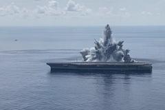 Mỹ kích mìn nổ 'như động đất' cạnh tàu sân bay chục tỷ USD