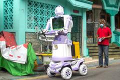 Biến rác thành robot trợ giúp người mắc Covid-19