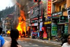 Cửa hàng gas bốc cháy, phát nhiều tiếng nổ liên tục ở Lào Cai