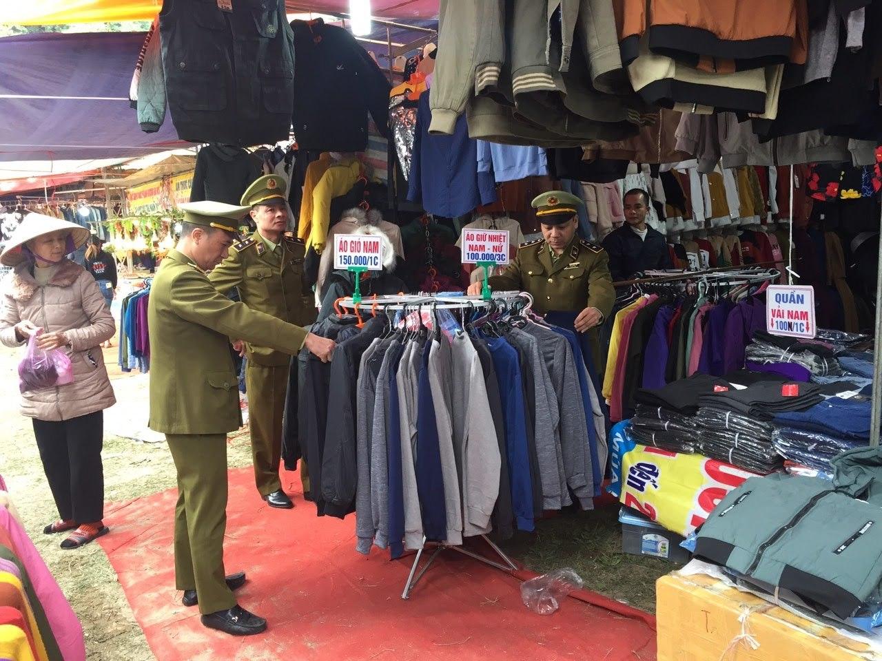 Lạng Sơn: Giám sát chất lượng sản phẩm tại Phiên chợ hàng Việt về nông thôn