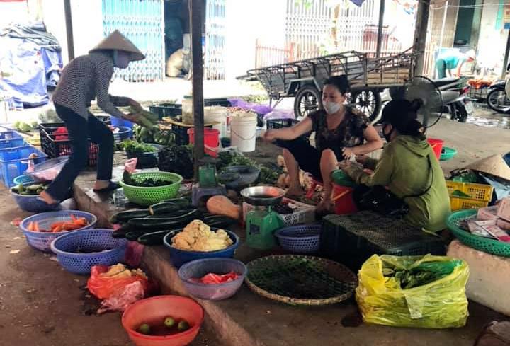 Bốn thay đổi bắt buộc để lo đủ cho cả nhà sống qua mùa dịch