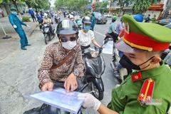 Thao tác phải làm khi qua chốt kiểm dịch ở Hà Nội