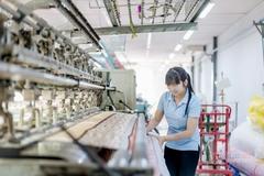 Nhiều doanh nghiệp dệt may đã có đơn hàng xuất khẩu đến quý III