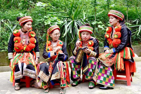 Chiêm Hóa nâng niu, bảo tồn trang phục, tiếng nói trong cộng đồng các dân tộc