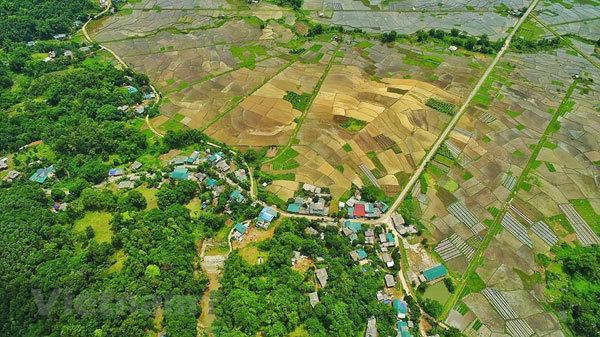 hoa binh travel,Muong ethnic people