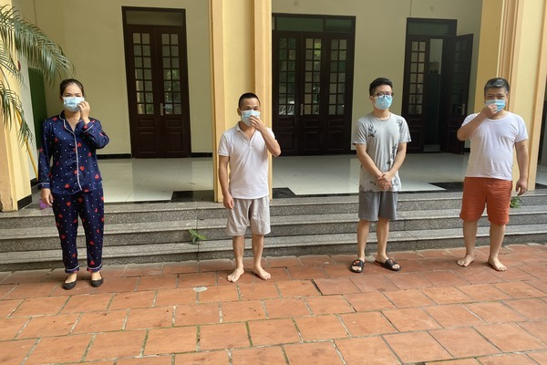 Bắt nhóm phóng viên tống tiền một trường học ở Hà Nội