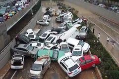 Hơn 400.000 ô tô Trung Quốc bị hư hại do lũ lụt, thiệt hại khoảng 20 tỷ USD