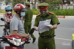 Giãn cách xã hội, người sống ở Hà Nội có được về quê chăm người ốm?