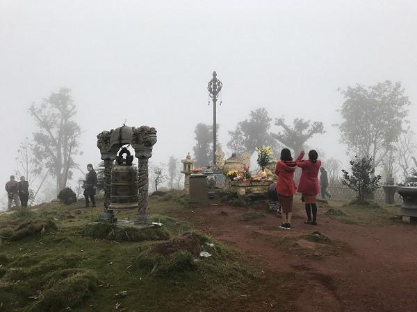 3 đỉnh núi linh thiêng tuyệt đẹp ở Việt Nam