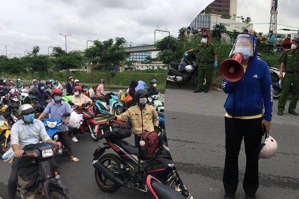 Vận động người dân tự ý đi xe máy về quê ở lại TP.HCM