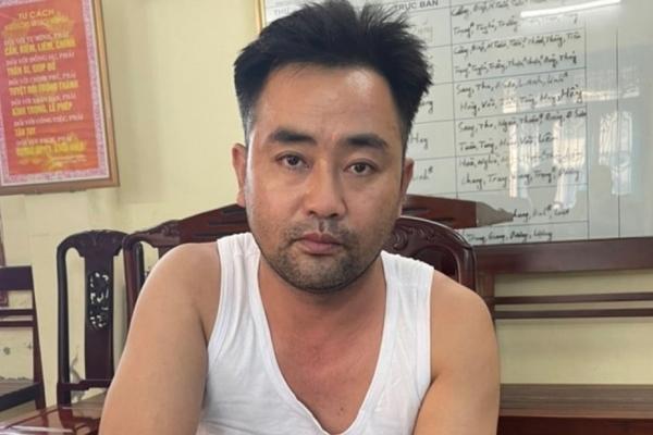 Khởi tố nghi phạm chém bạn gái trong nhà nghỉ ở Ninh Bình