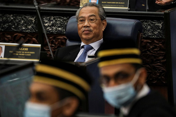 Mất đa số trong liên minh cầm quyền, Thủ tướng Malaysia tính từ chức