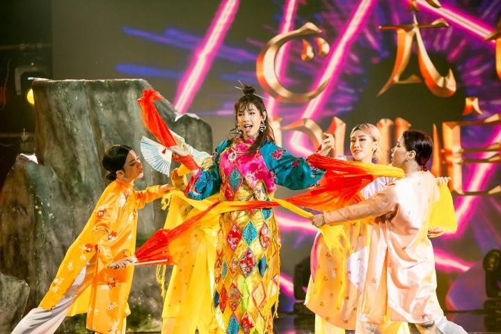 Erik, Uni5, Ali Hoàng Dương nhảy Vũ điệu 5K