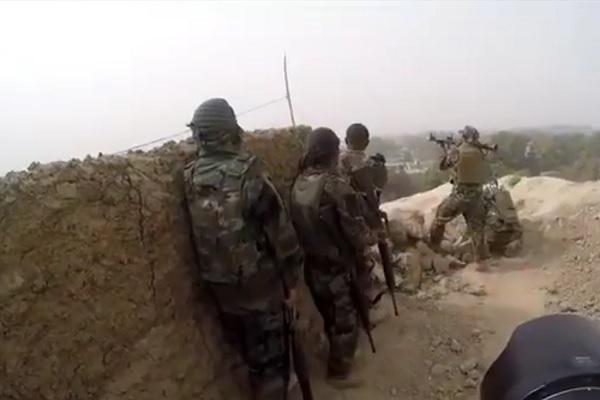 Bất chấp Taliban chiếm Kabul, giao tranh vẫn dữ dội ở Jalalabad