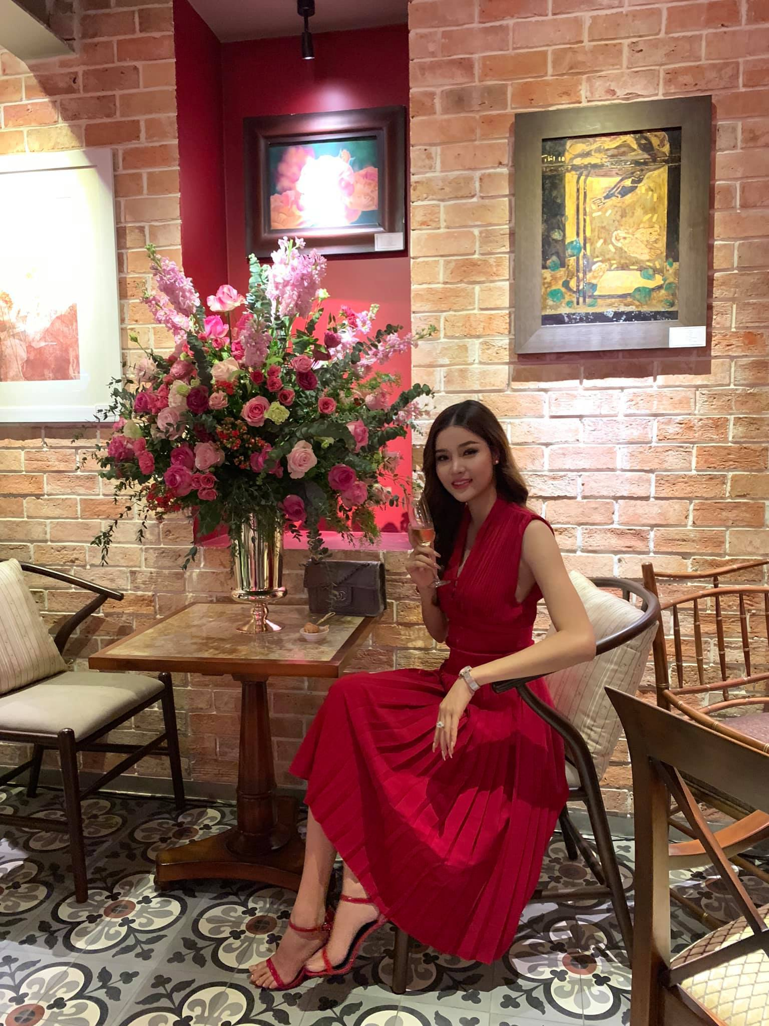Cựu người mẫu Kỳ Hân - vợ tiền vệ Mạc Hồng Quân ngày càng đẹp