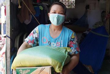 Xuất cấp hơn 4.100 tấn gạo hỗ trợ 3 tỉnh phía Nam