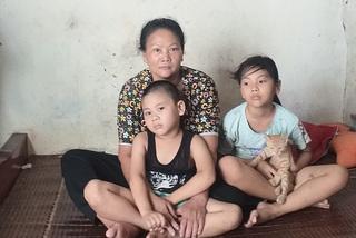 Chồng ung thư qua đời, vợ gồng gánh nuôi con tự kỷ