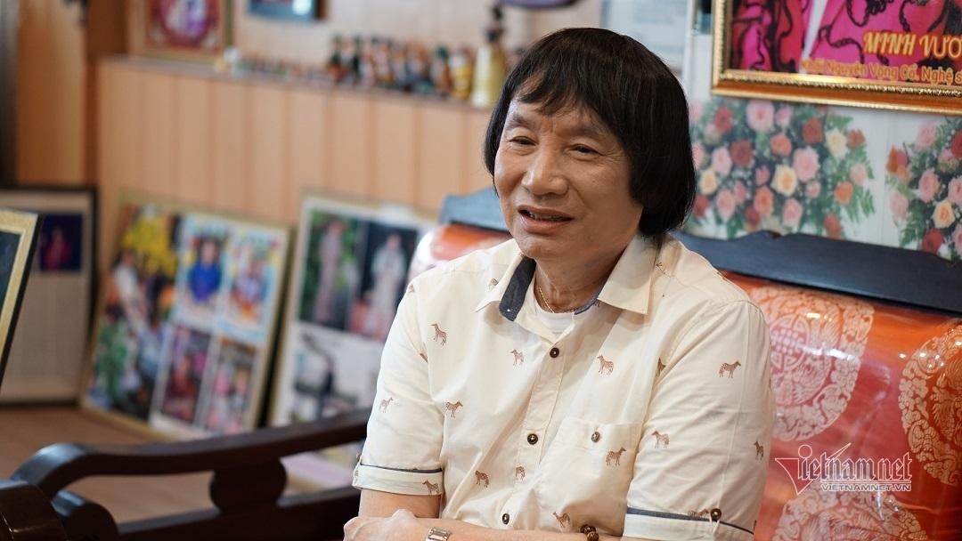 'Ông hoàng cải lương' Minh Vương: 3 tháng qua chỉ ở nhà phụ vợ nấu ăn