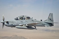Hàng trăm binh sĩ Afghanistan dùng máy bay đào thoát sang Uzbekistan